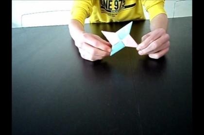 Zelf een Origami werpster vouwen