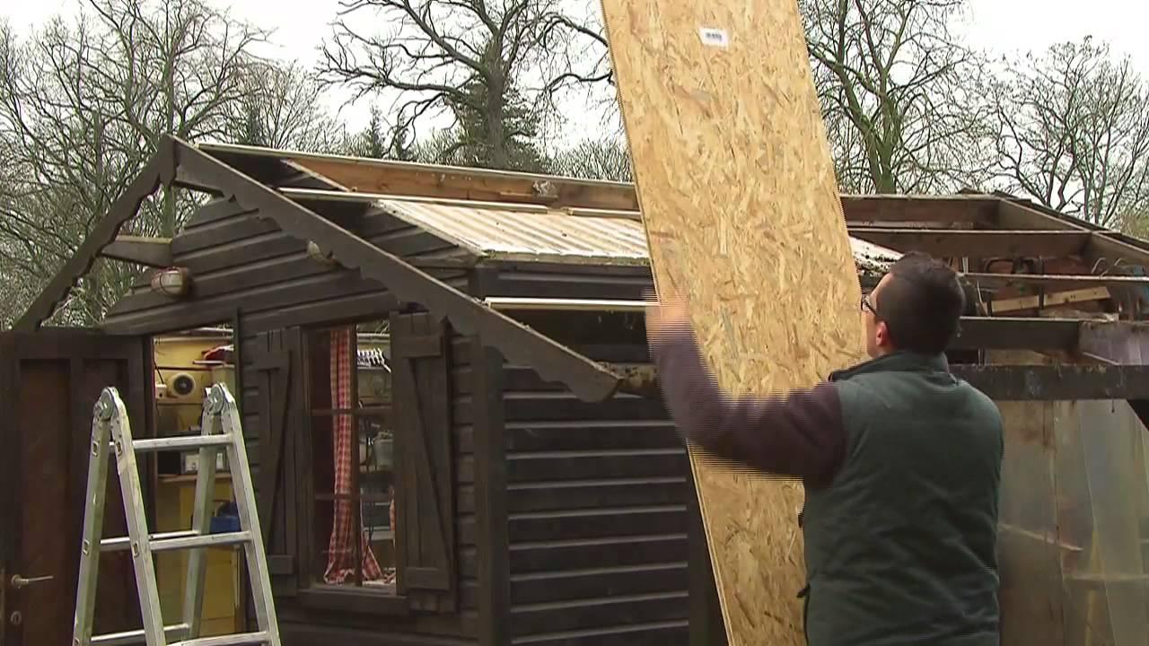 Zelf het dak van een tuinhuis renoveren zelfjes for Tuin renoveren